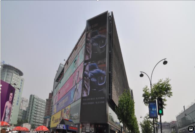 浙江杭州市上城区工联服饰城竖屏LED户外大屏