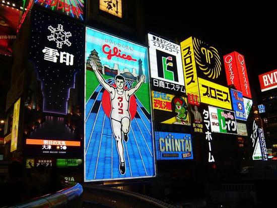 地标广告位为品牌带来收入 户外广告公司可以复制吗