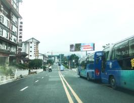 贵州安顺黄果树旅游区户外立柱广告牌