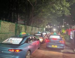 广东广州车后窗出租车车身广告